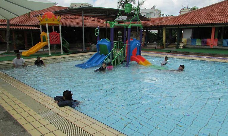 Cherryloft Resorts Singapore